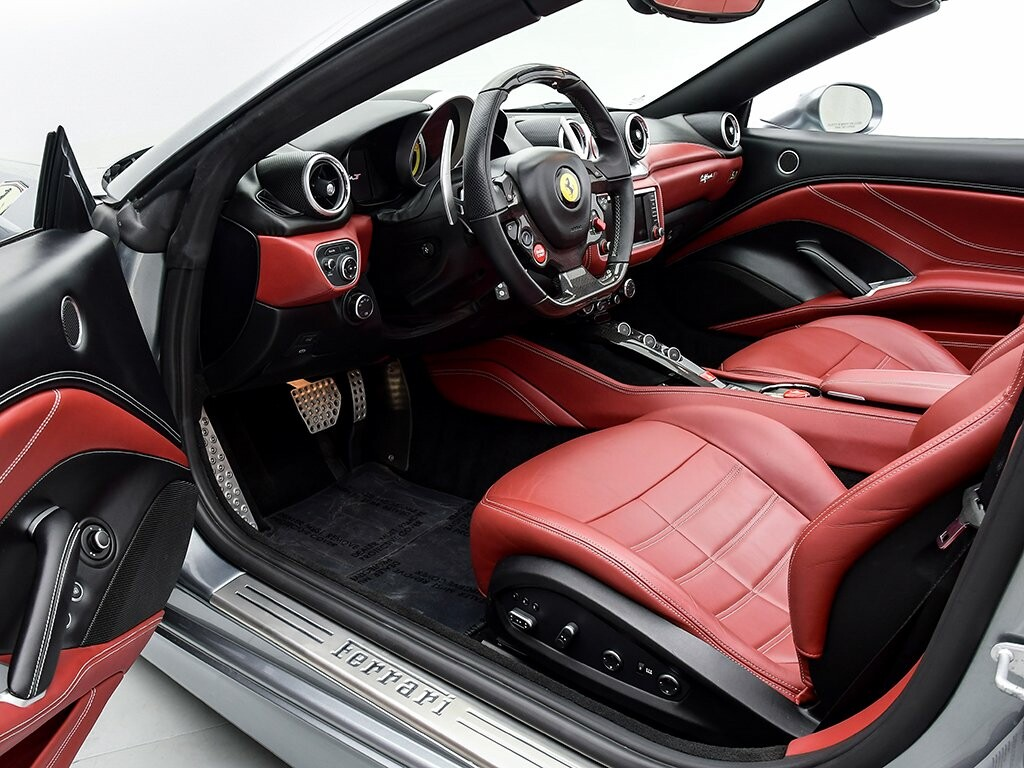 2015 Ferrari  California image _6156b222c88862.17090325.jpg