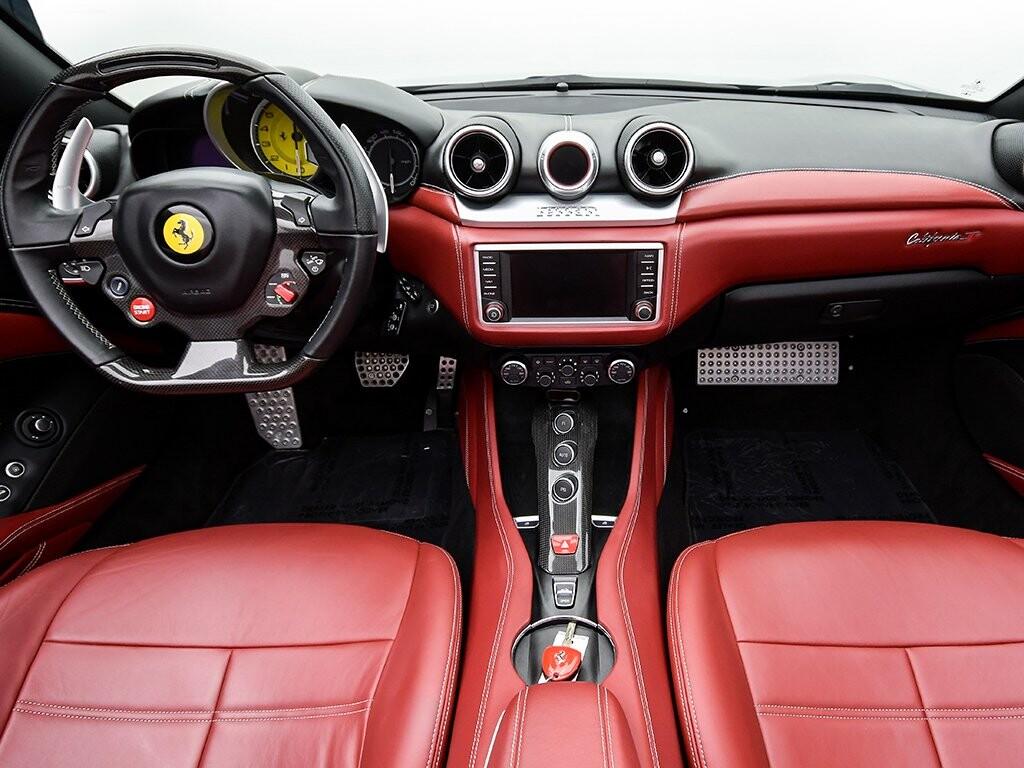 2015 Ferrari  California image _6156b2247a1426.90071928.jpg