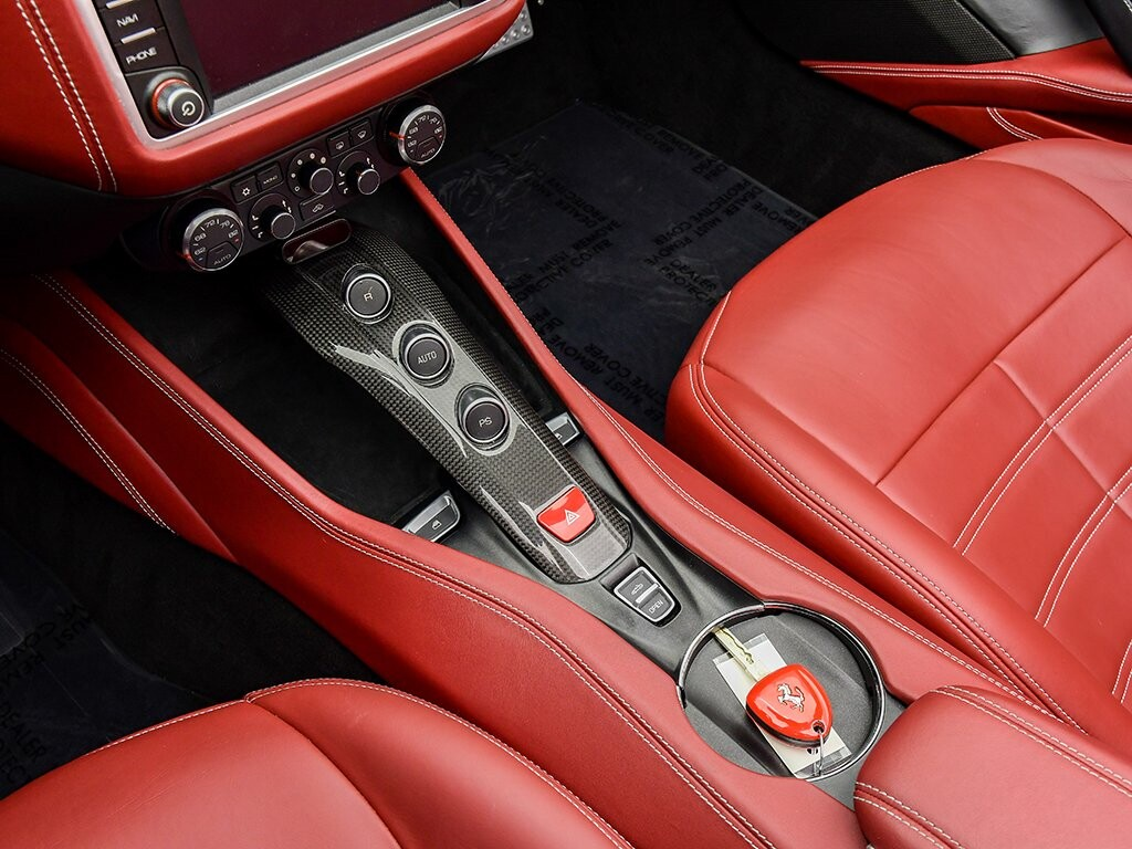 2015 Ferrari  California image _6156b225133ae9.92967505.jpg