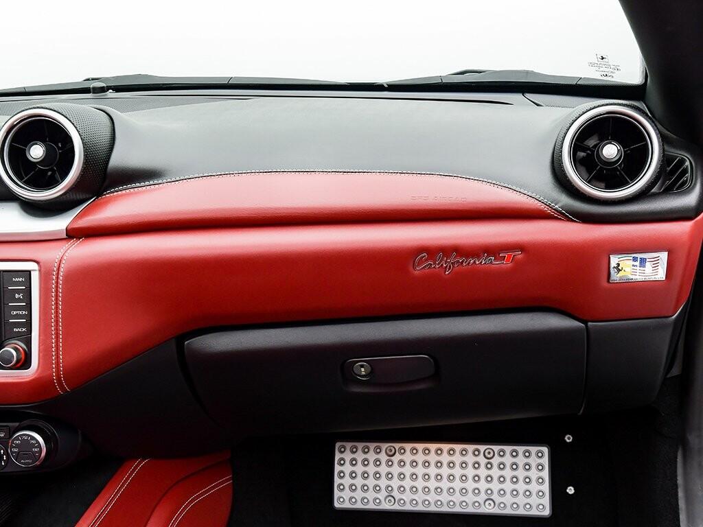 2015 Ferrari  California image _6156b226e50912.86652093.jpg