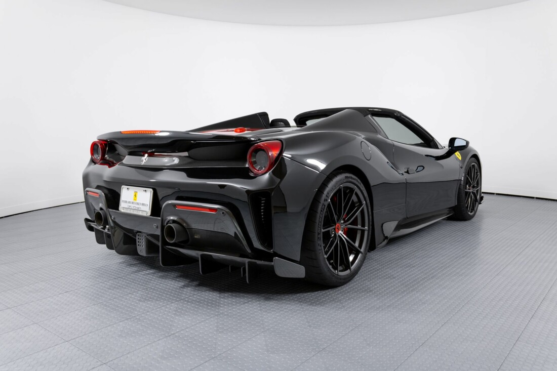 2020 Ferrari 488 Pista Spider image _6156b2304fb855.70642069.jpg