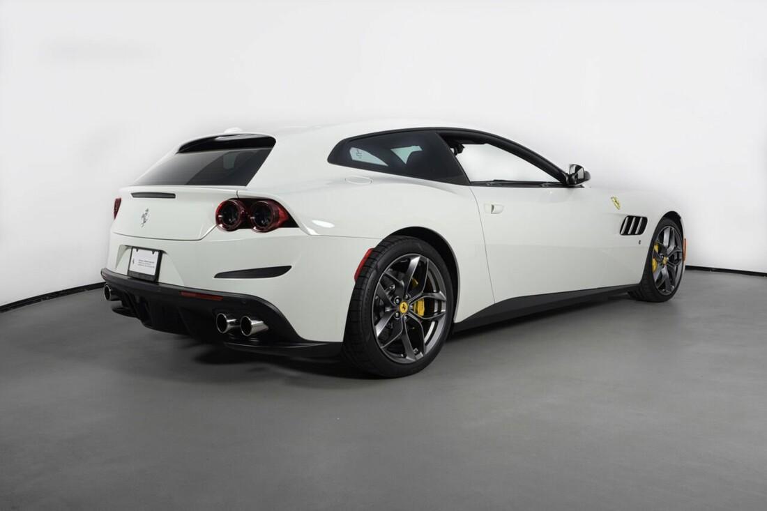 2018 Ferrari GTC4Lusso T image _6156b2f0182685.32768929.jpg