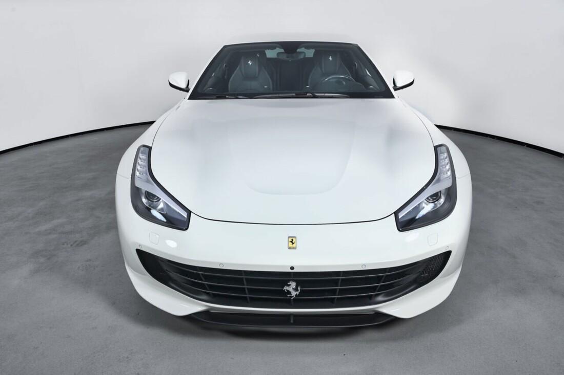 2018 Ferrari GTC4Lusso T image _6156b2f11421c7.51075558.jpg
