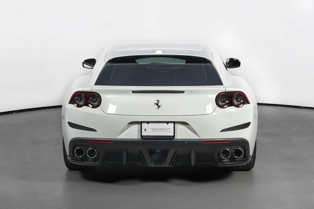 2018 Ferrari GTC4Lusso T image _6156b2f1a185c2.65732270.jpg
