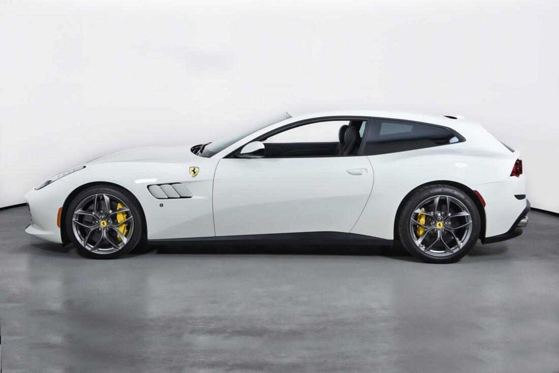 2018 Ferrari GTC4Lusso T image _6156b2f787e666.20336715.jpg