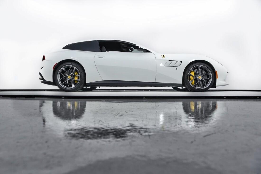 2018 Ferrari GTC4Lusso T image _6156b2f8a90ae2.11498190.jpg