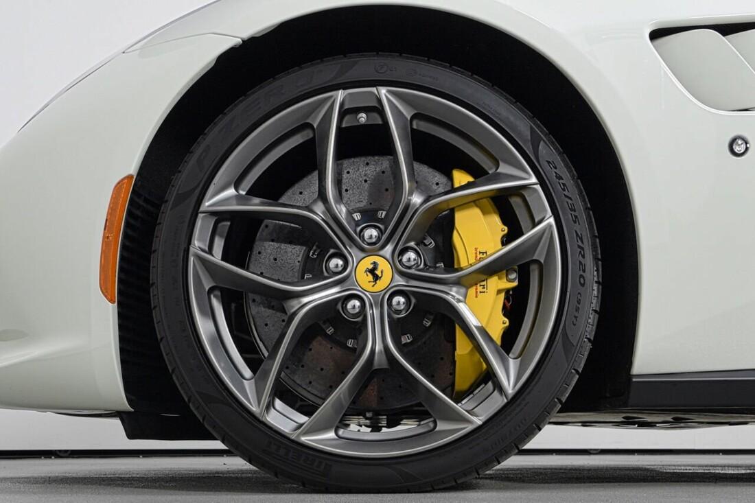 2018 Ferrari GTC4Lusso T image _6156b2f94e5290.88920734.jpg