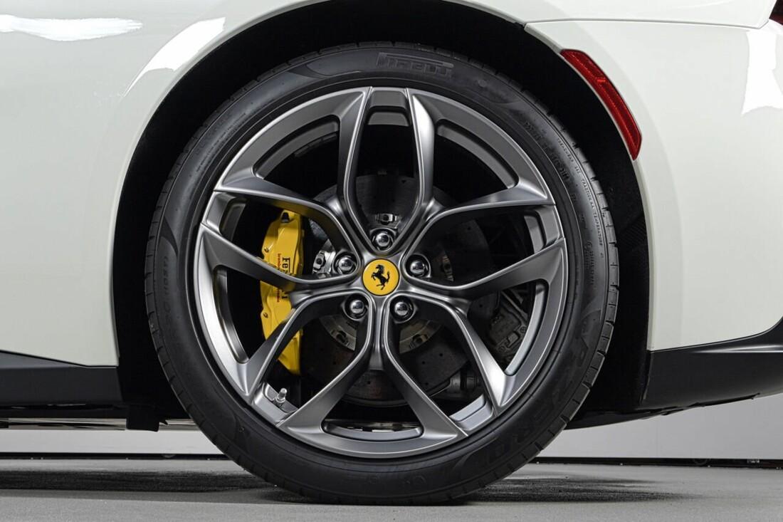 2018 Ferrari GTC4Lusso T image _6156b2fa01e579.43834197.jpg