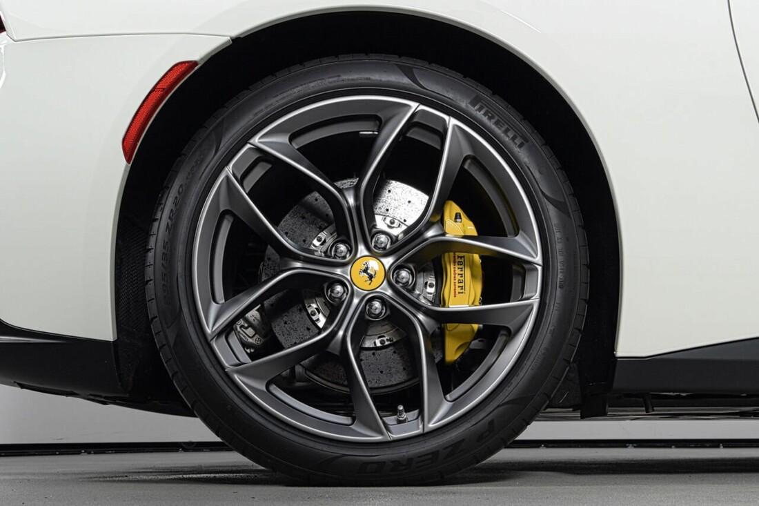 2018 Ferrari GTC4Lusso T image _6156b2fa92b931.56127932.jpg