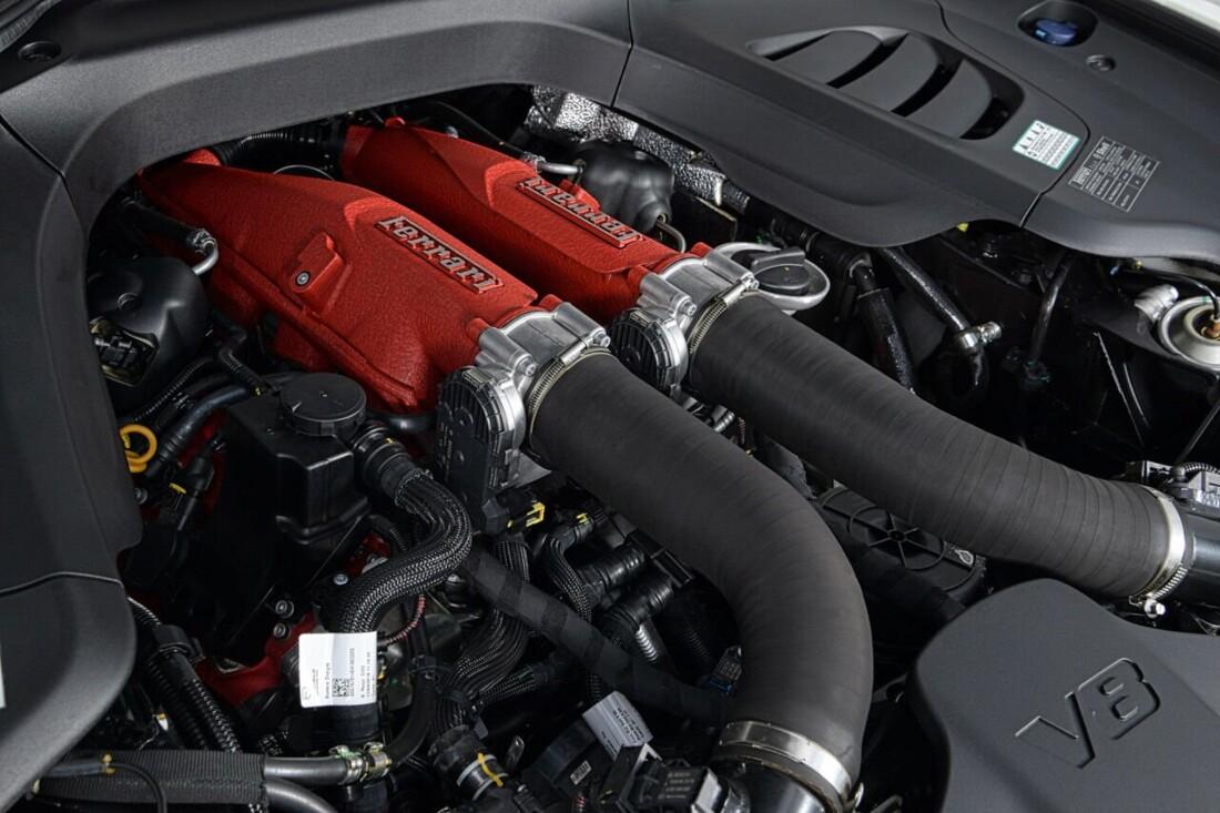 2018 Ferrari GTC4Lusso T image _6156b3038c8911.55559440.jpg