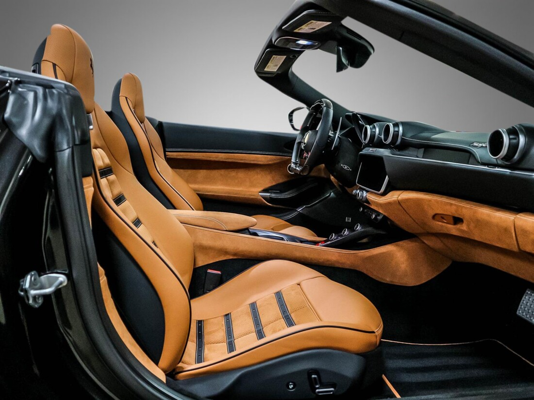 2020 Ferrari  Portofino image _6156b35d9ce342.04503259.jpg