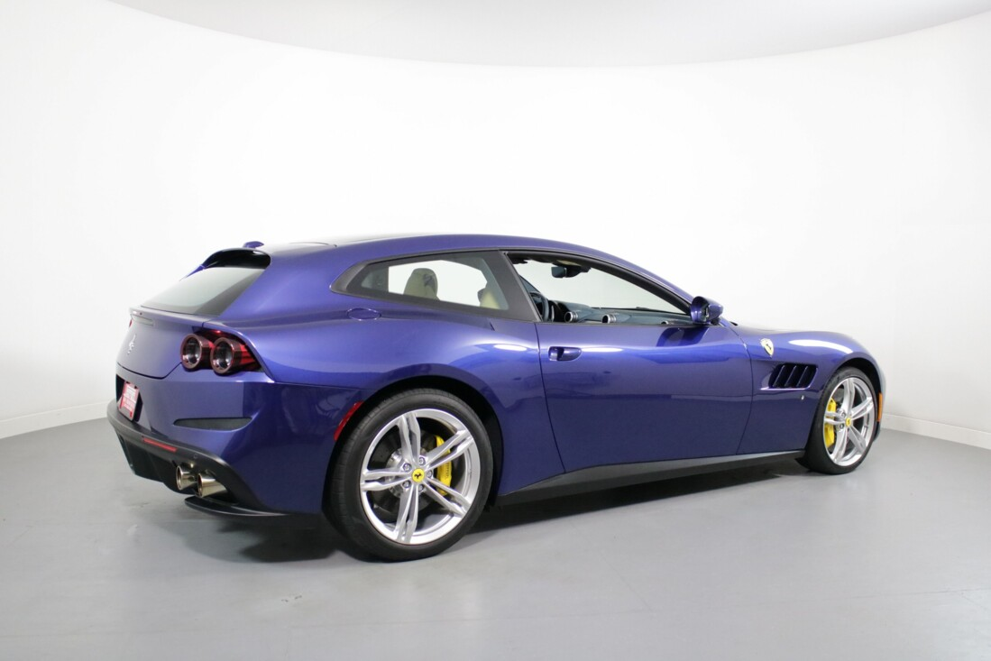 2020 Ferrari GTC4Lusso image _6156b3832c8b82.23543966.jpg