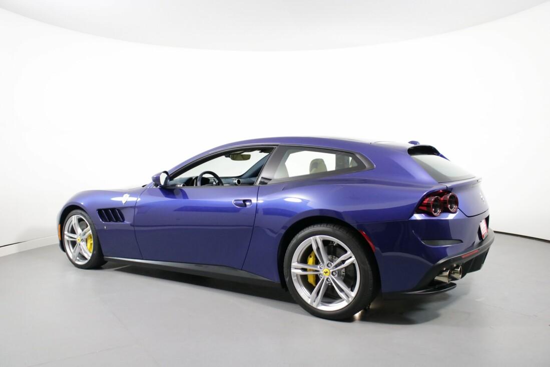 2020 Ferrari GTC4Lusso image _6156b3983225a1.36676759.jpg