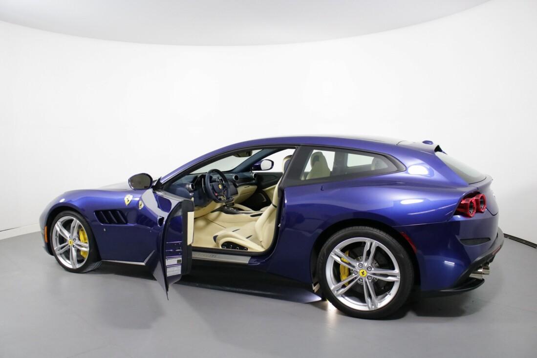2020 Ferrari GTC4Lusso image _6156b3a9735f81.52232899.jpg