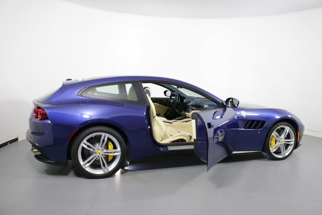2020 Ferrari GTC4Lusso image _6156b3e9eee225.75992869.jpg