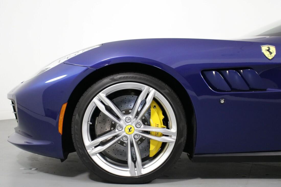2020 Ferrari GTC4Lusso image _6156b4445a3a53.75359687.jpg