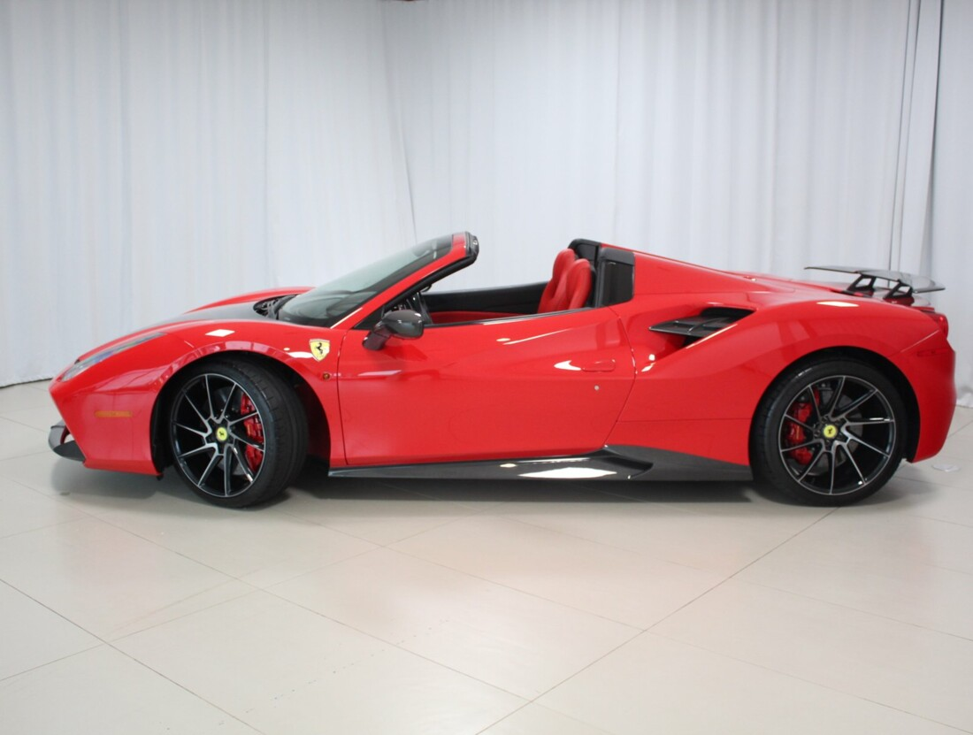2018 Ferrari 488 Spider image _615803ff36f6f6.44359471.jpg