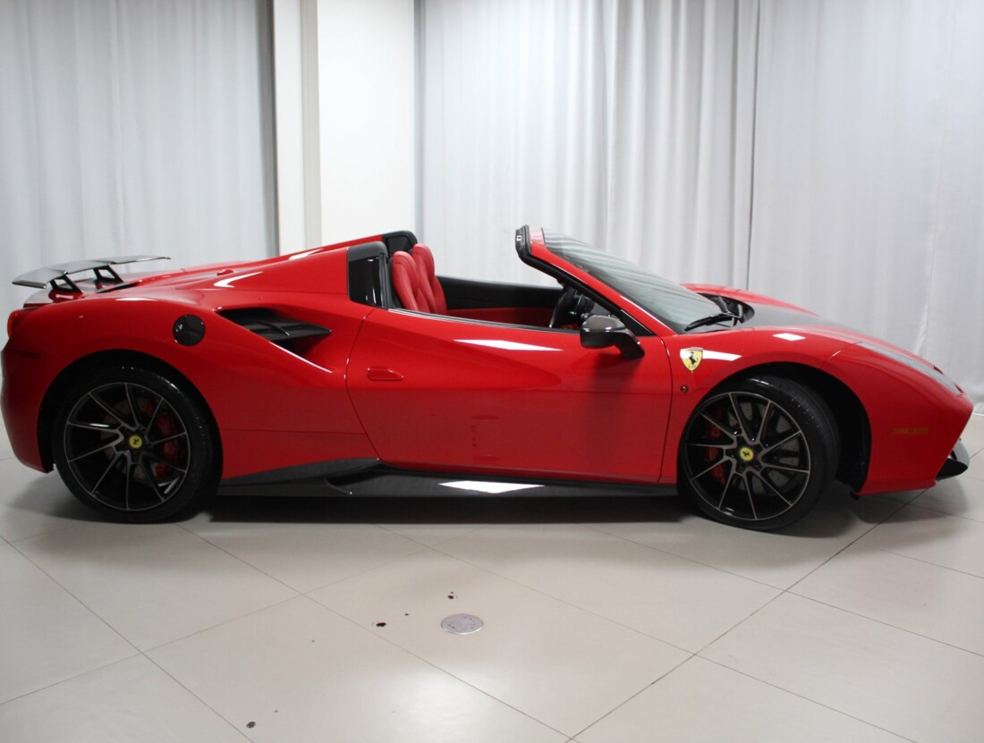 2018 Ferrari 488 Spider image _61580406b26653.55233450.jpg