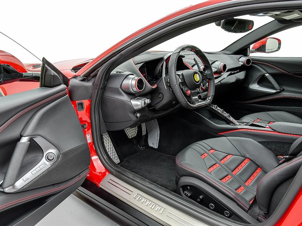 2019 Ferrari 812 Superfast image _6158044854d323.22157716.jpg