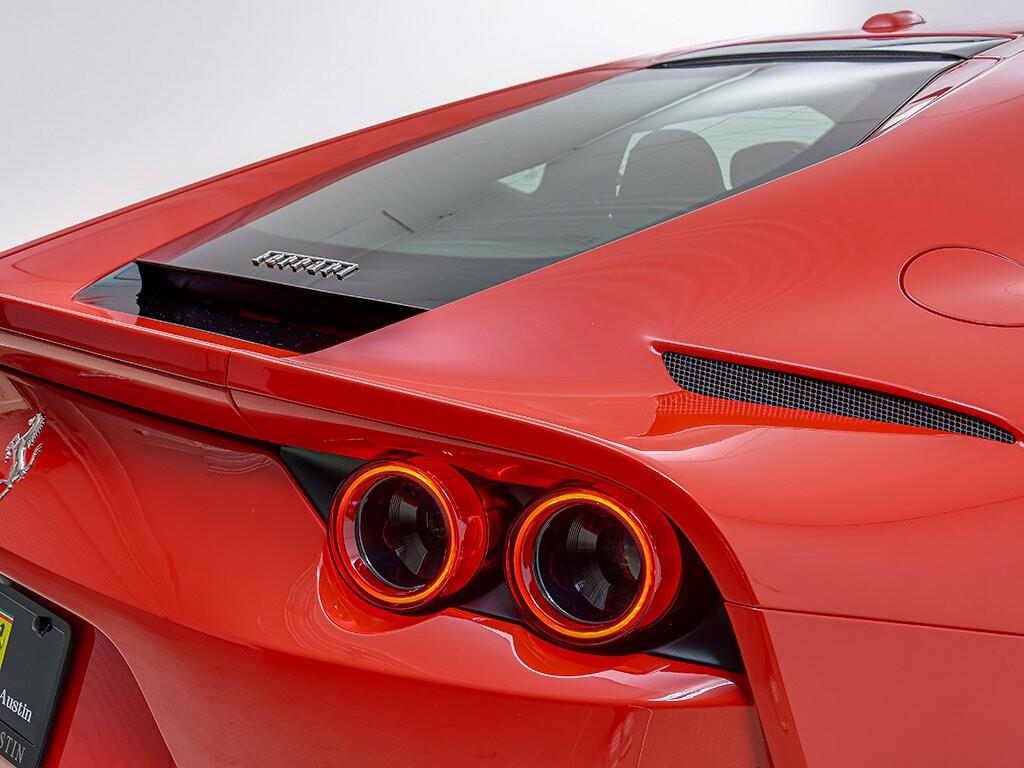 2019 Ferrari 812 Superfast image _6158045415a124.42427434.jpg