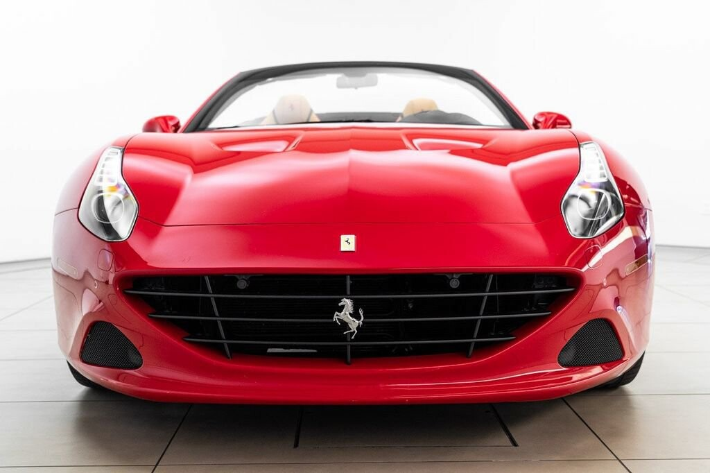 2018 Ferrari  California T image _61580458b185c3.23100202.jpg