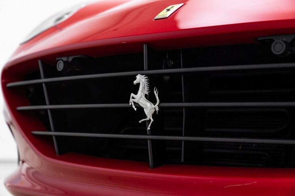 2018 Ferrari  California T image _61580459362975.50605674.jpg
