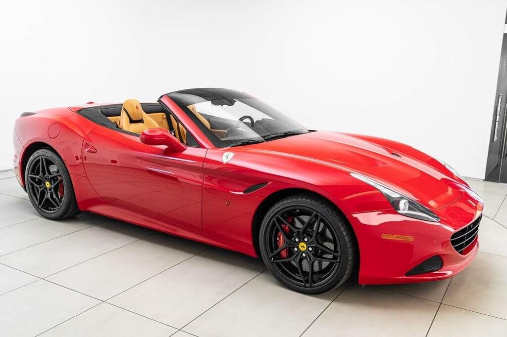 2018 Ferrari  California T image _6158045c82b725.25084681.jpg