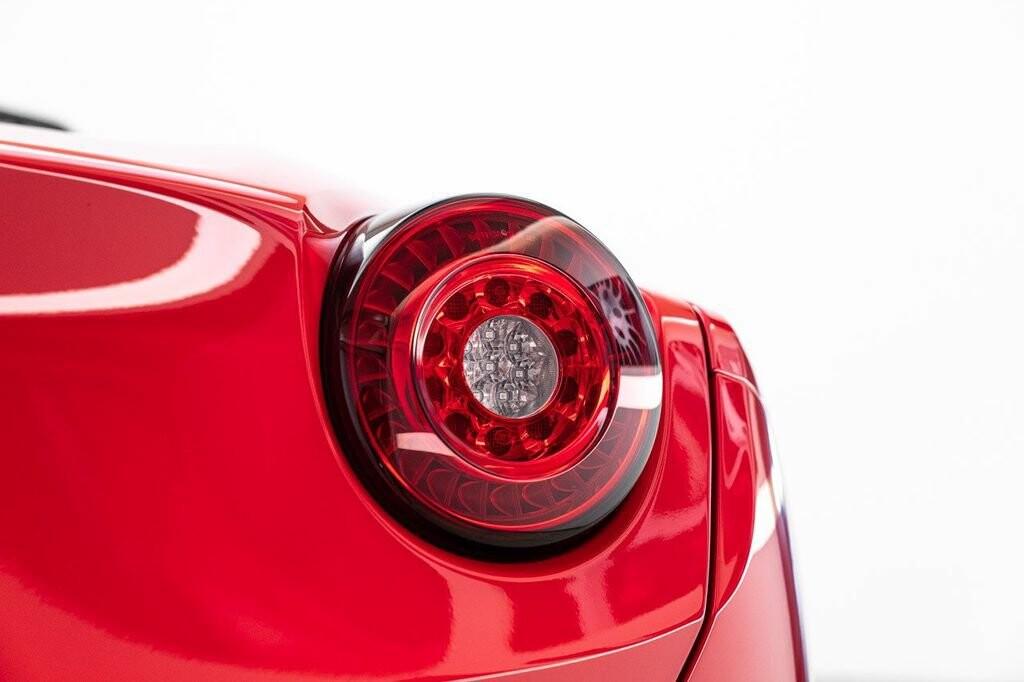 2018 Ferrari  California T image _61580460e5c2a2.00399146.jpg