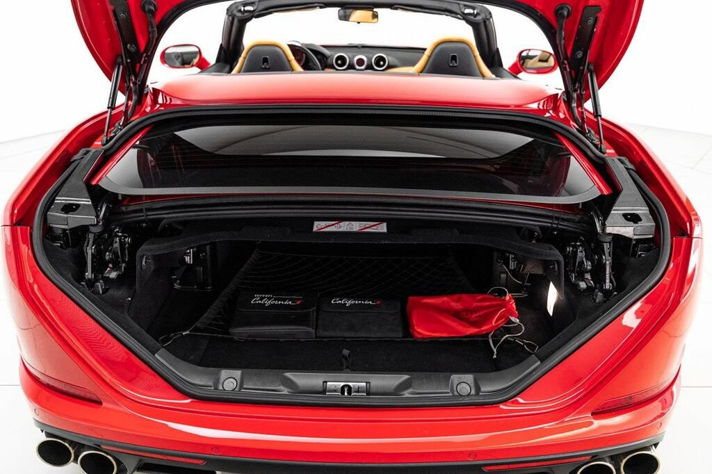 2018 Ferrari  California T image _6158046247fcf2.56070952.jpg