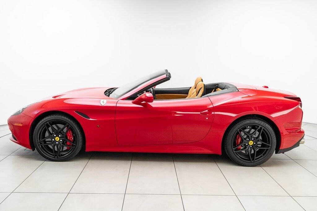 2018 Ferrari  California T image _615804646133e0.98011592.jpg