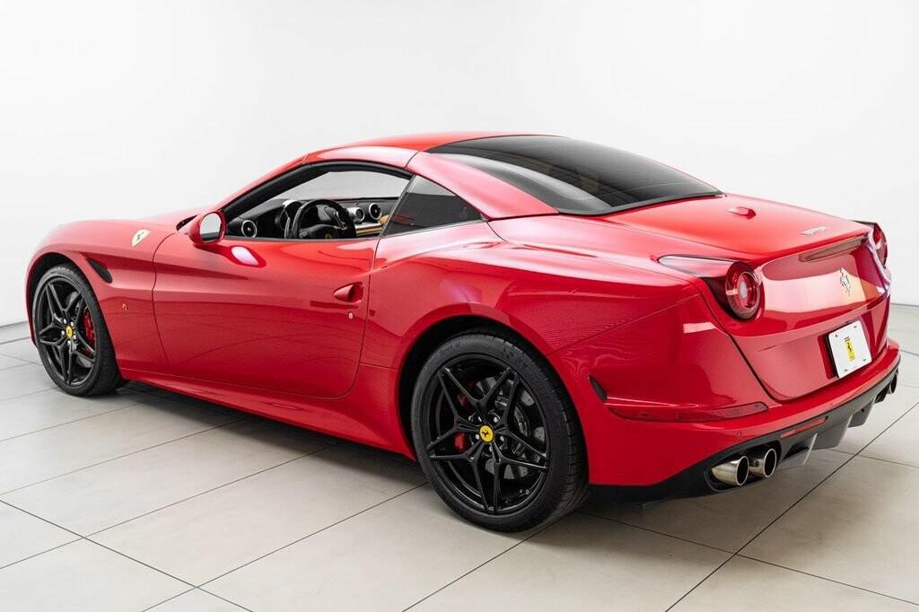 2018 Ferrari  California T image _6158046787b6a1.01275071.jpg