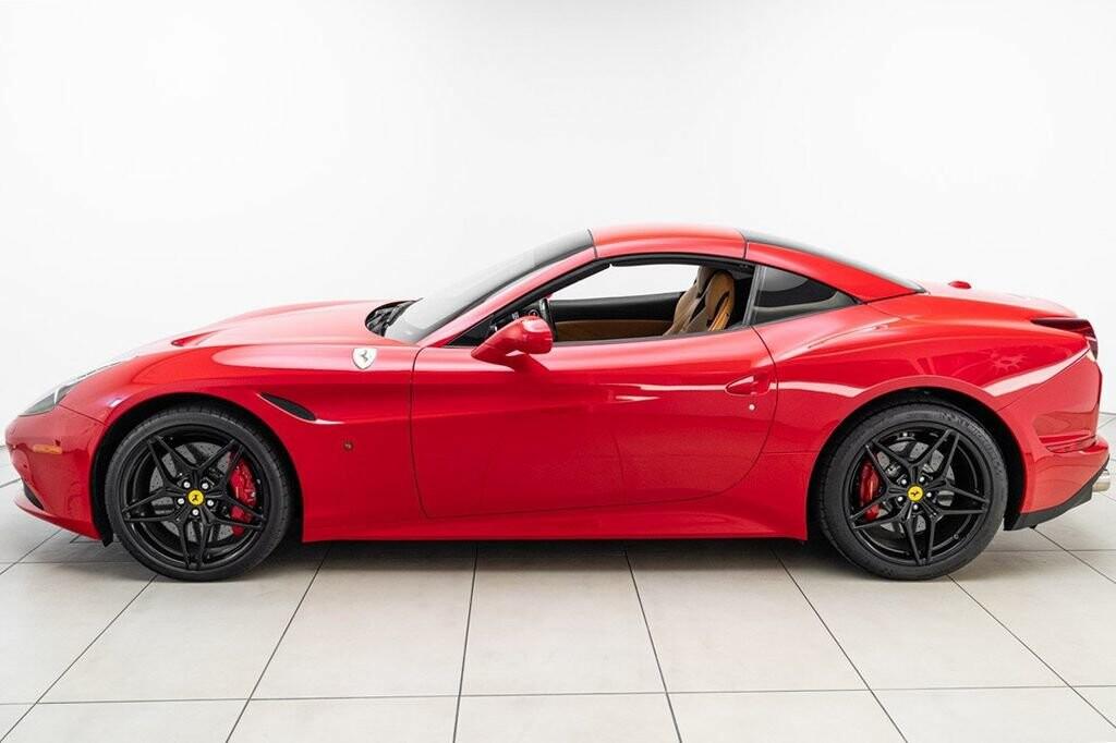 2018 Ferrari  California T image _615804680d72d6.10810169.jpg