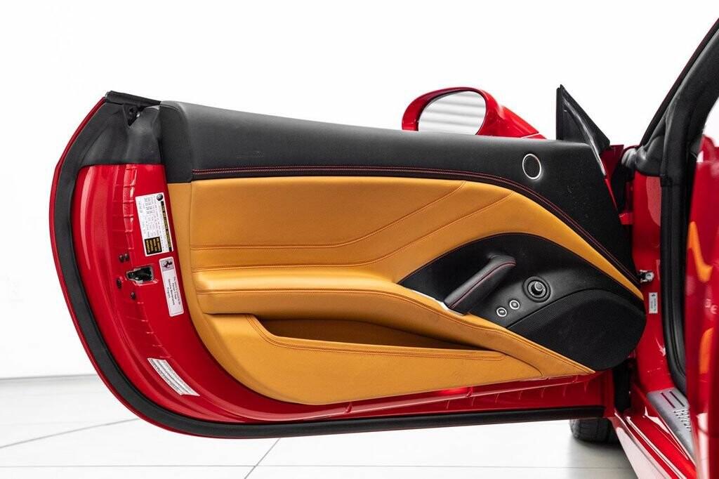 2018 Ferrari  California T image _6158046a147609.58422024.jpg