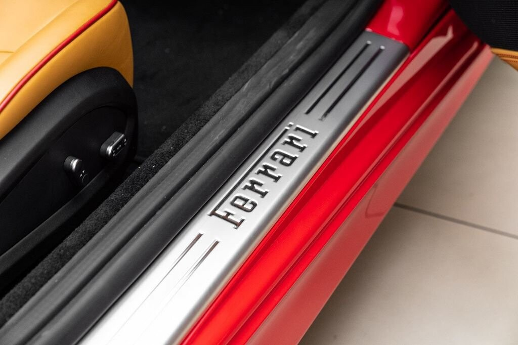 2018 Ferrari  California T image _6158046f1274a9.36686137.jpg