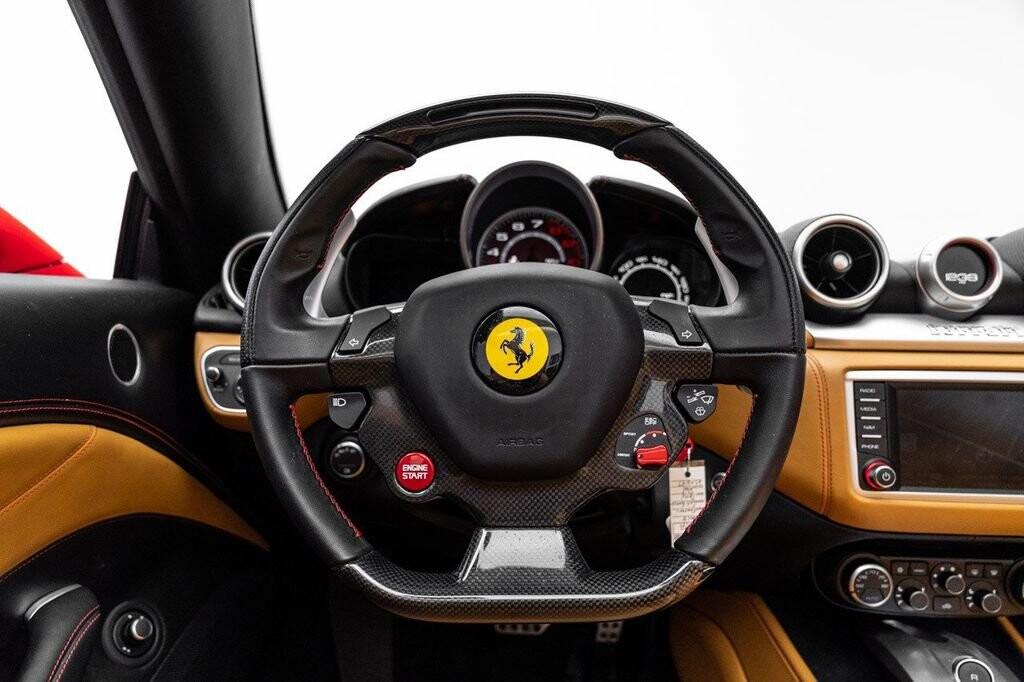 2018 Ferrari  California T image _61580471d01c57.55103899.jpg