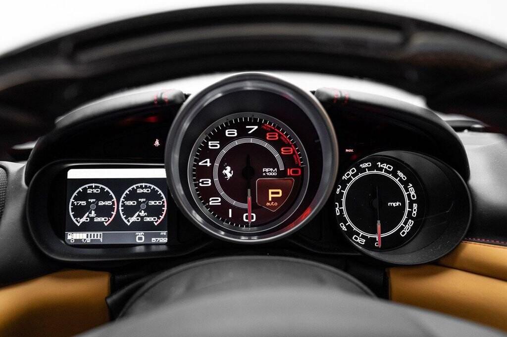 2018 Ferrari  California T image _61580473bc6097.10526679.jpg