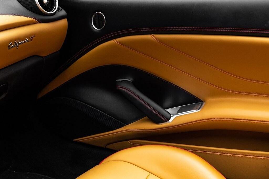2018 Ferrari  California T image _6158047a28e9f3.37538536.jpg