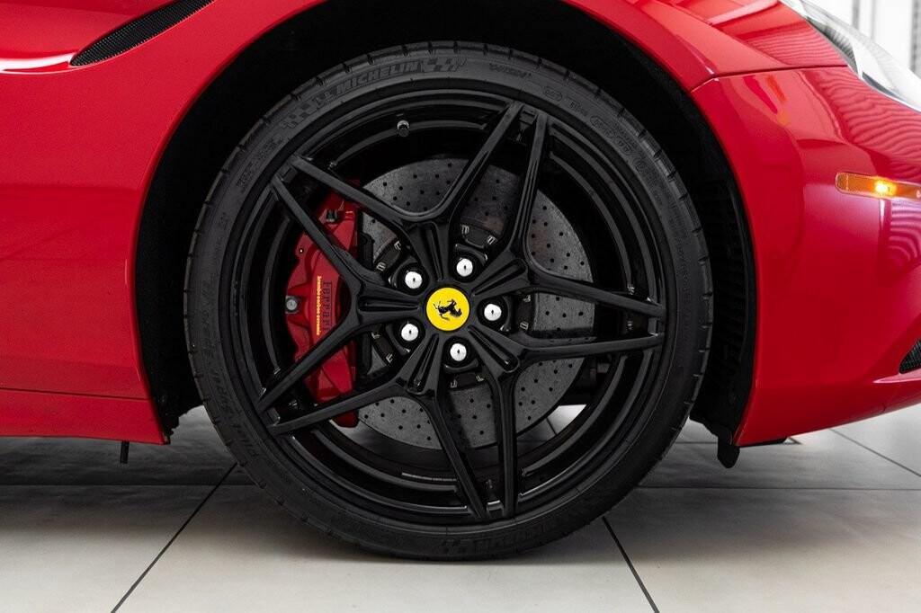 2018 Ferrari  California T image _6158047c8a4864.46632741.jpg