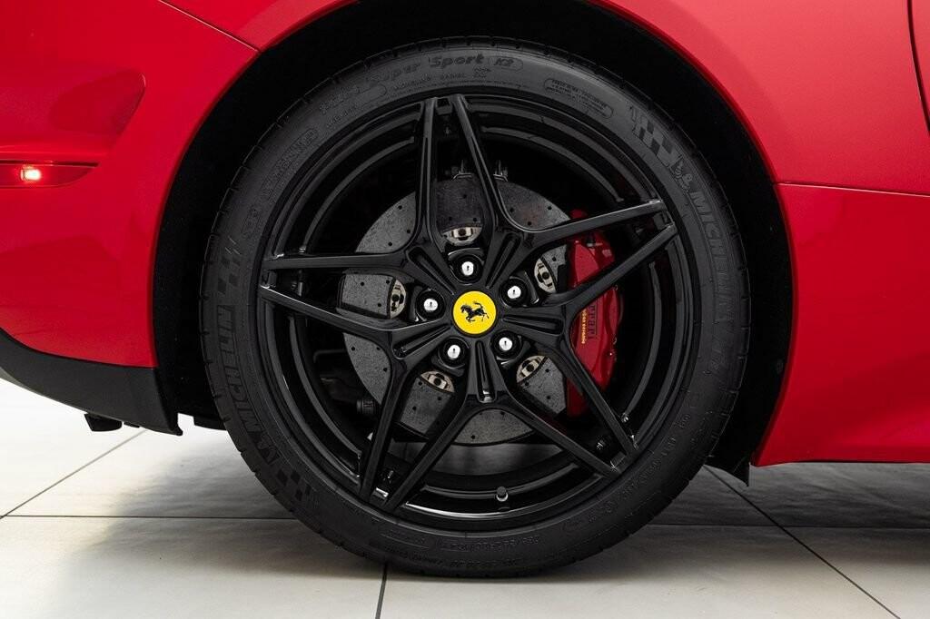 2018 Ferrari  California T image _6158047d083d48.62727426.jpg