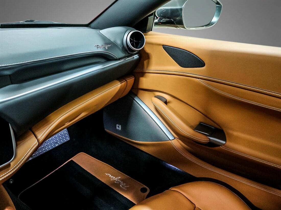 2020 Ferrari  Portofino image _615804870fe351.46405094.jpg