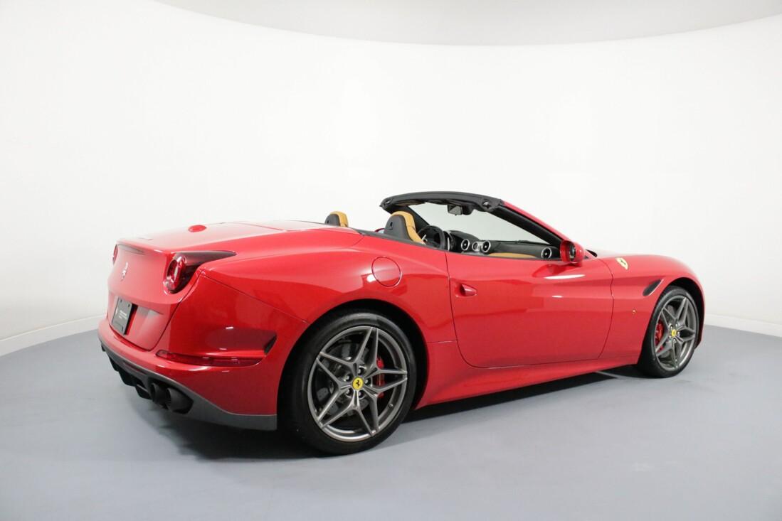 2017 Ferrari  California T image _6158049ee18297.59867149.jpg