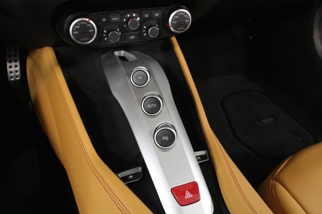 2017 Ferrari  California T image _615804ac2fb236.06061343.jpg