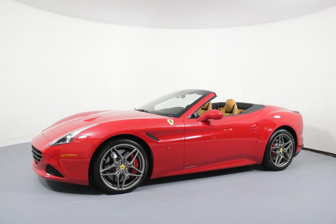 2017 Ferrari  California T image _615804b8e65aa7.02204552.jpg
