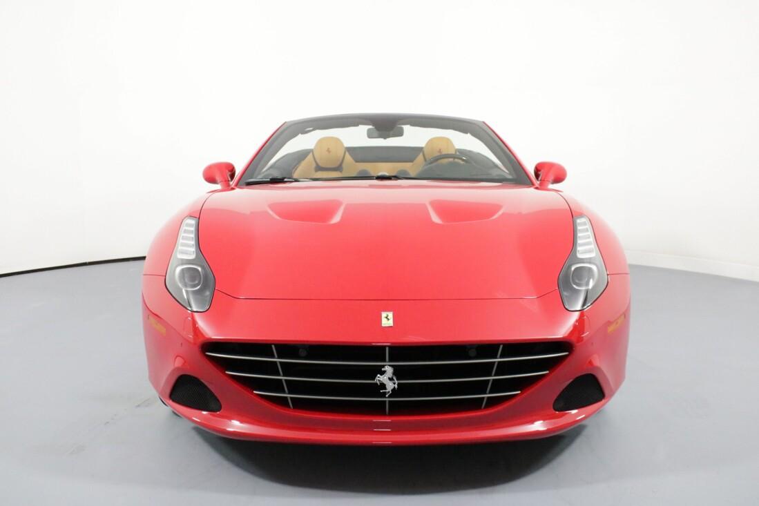 2017 Ferrari  California T image _615804bc1f5e06.03395937.jpg