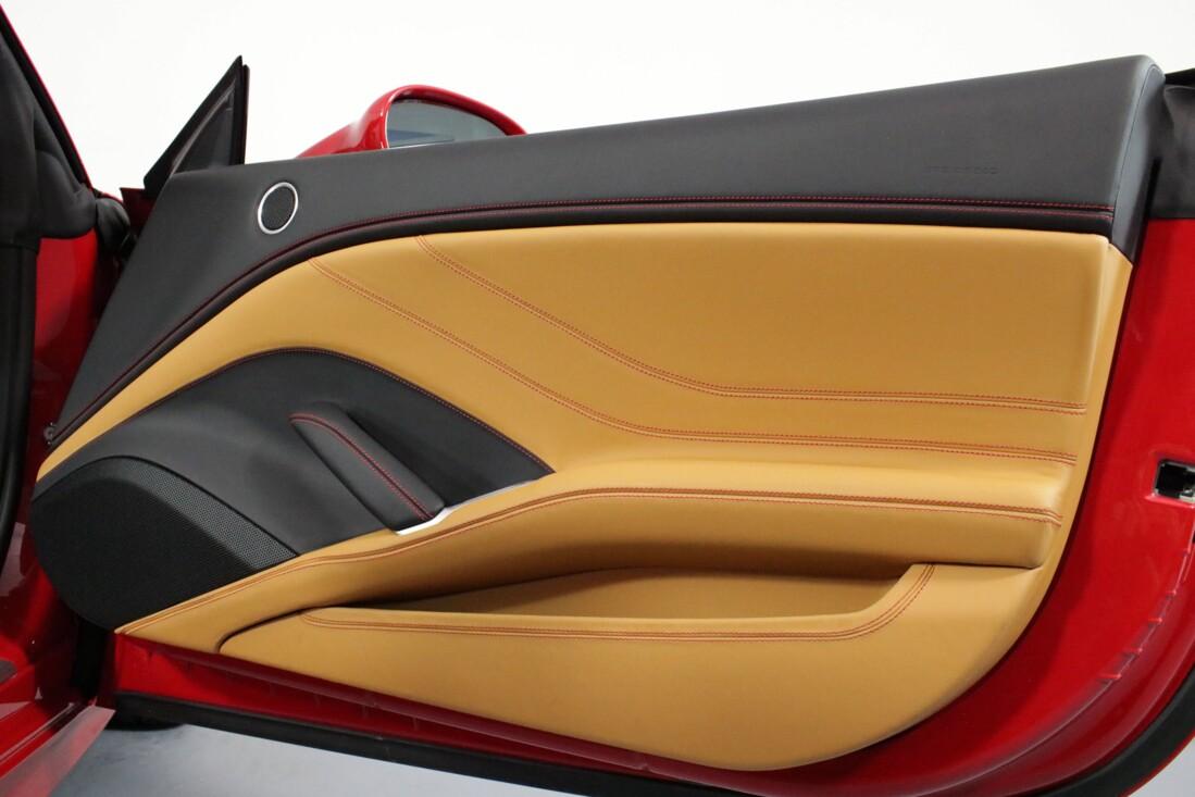 2017 Ferrari  California T image _615804e74b61a8.57031291.jpg