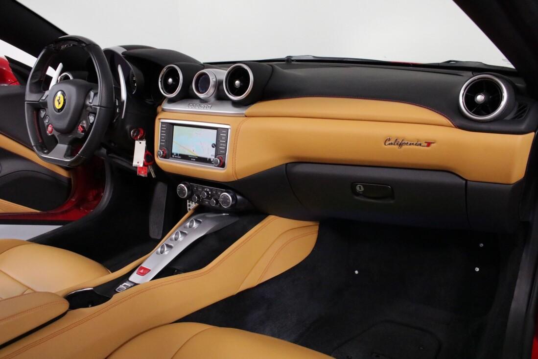 2017 Ferrari  California T image _615804ef59e490.30025336.jpg