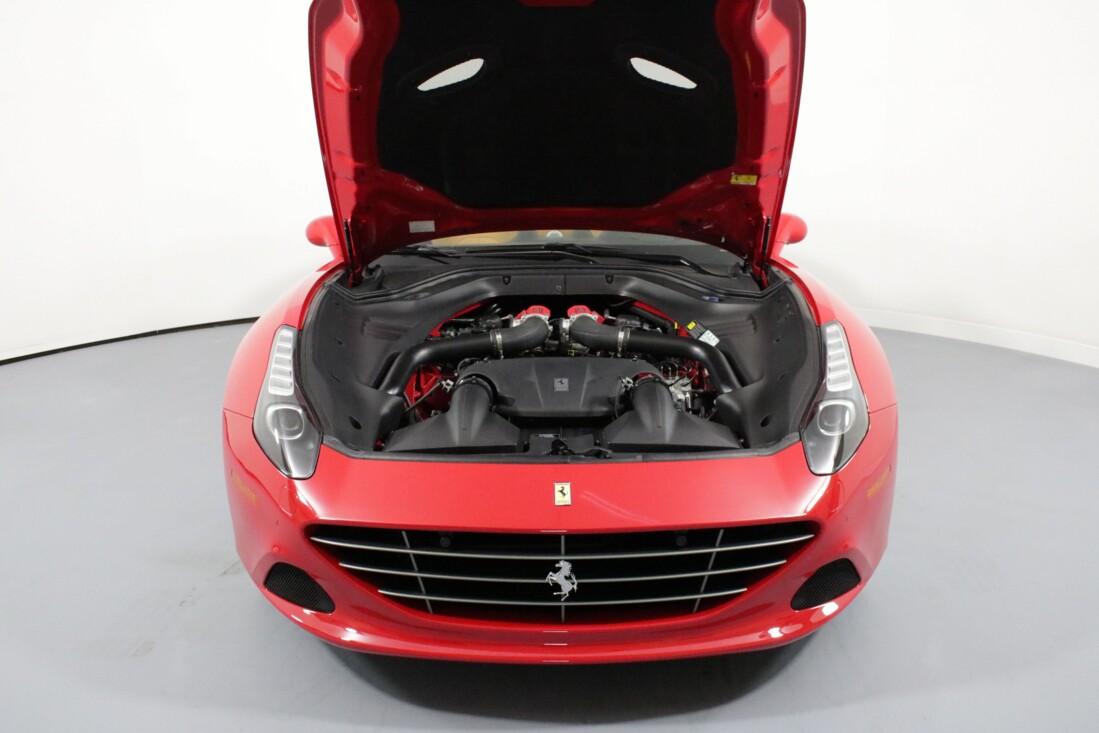 2017 Ferrari  California T image _615805277a0c76.05950640.jpg