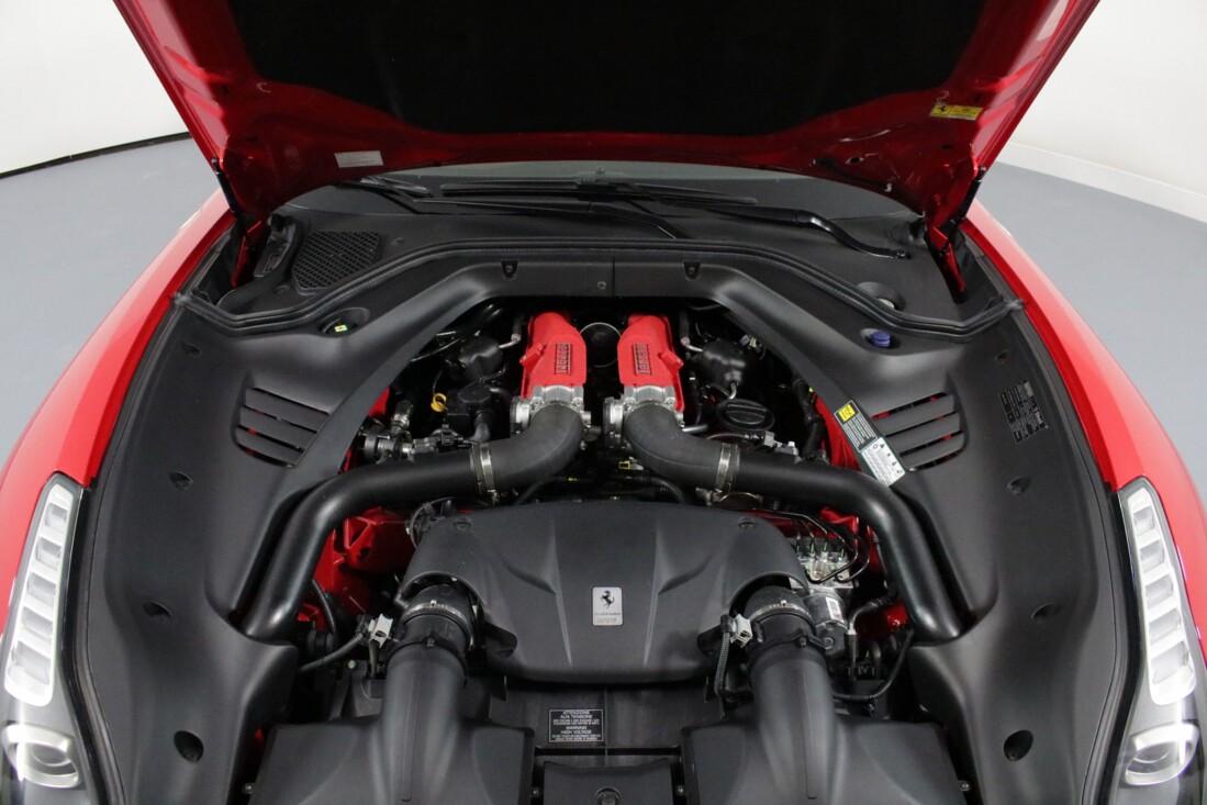 2017 Ferrari  California T image _6158052f5daec8.49552446.jpg