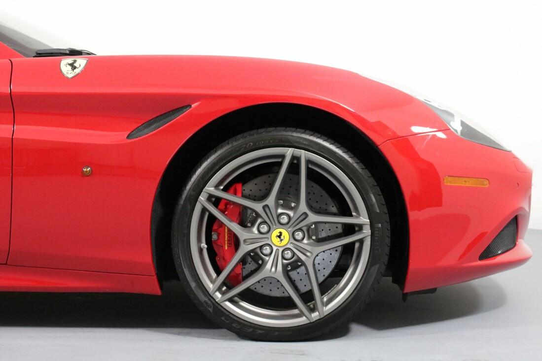 2017 Ferrari  California T image _615805377f0a35.67395625.jpg