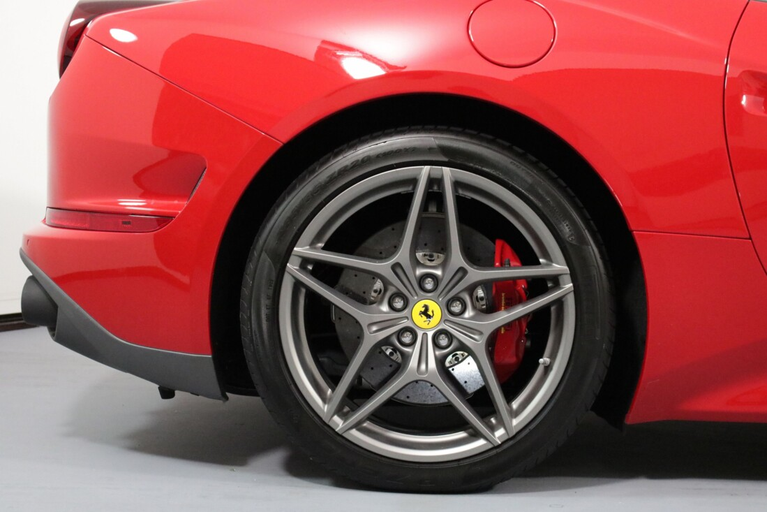 2017 Ferrari  California T image _6158053f8555e1.79232634.jpg